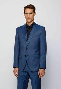 BOSS - Suit - open blue - 2