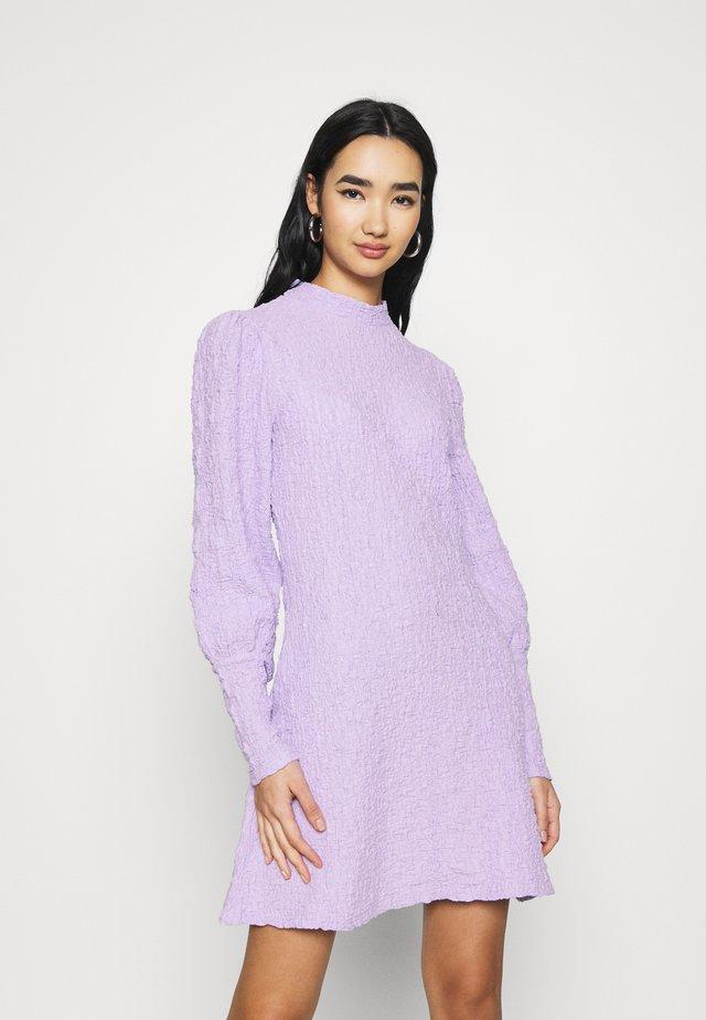 YASWINNIE DRESS - Day dress - lavender fog