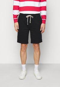 Polo Ralph Lauren - THE CABIN FLEECE SHORT - Shorts - black - 0