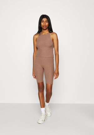 ONLNELLA SET - Shorts - burlwood/burlwood