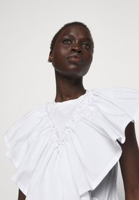 3.1 Phillip Lim - BUTTERFLY RUFFLE SLEEVE TANK - Print T-shirt - offwhite - 3