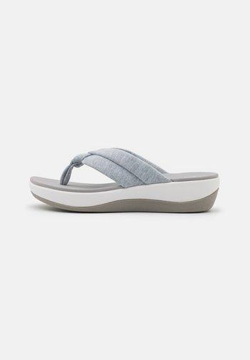 ARLA KAYLIE - Sandalias de dedo - grey