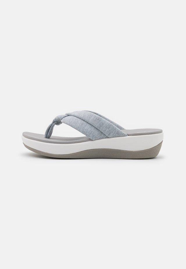 ARLA KAYLIE - T-bar sandals - grey