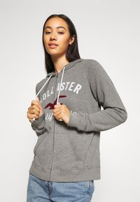 Hollister Co. - TERRY TECH CORE - Mikina na zip - grey - 3
