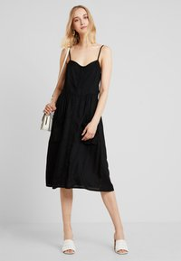 JDY - JDYKITTI MIDI DRESS  - Blousejurk - black - 1
