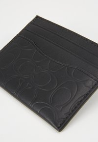 Coach - CARD CASE IN EMBOSSED SIGNATURE LEATHER - Wallet - black - 3