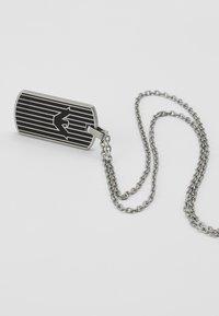 Emporio Armani - LOGO PLAY NECKLACE - Halskæder - silver-coloured - 2