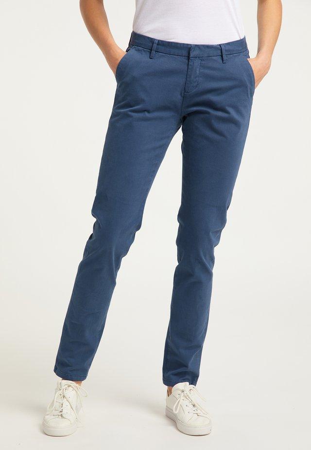 Pantalones chinos - blau