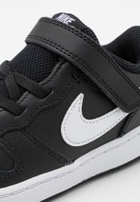 Nike Sportswear - COURT BOROUGH 2 UNISEX - Zapatillas - black/white - 5