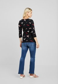 MAMALICIOUS - Long sleeved top - black/barbados cherry/snow white - 2