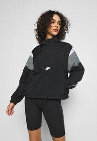 Nike Sportswear - LIGHTWEIGHT JACKET - Lett jakke - black/smoke grey/white/(white) - 0