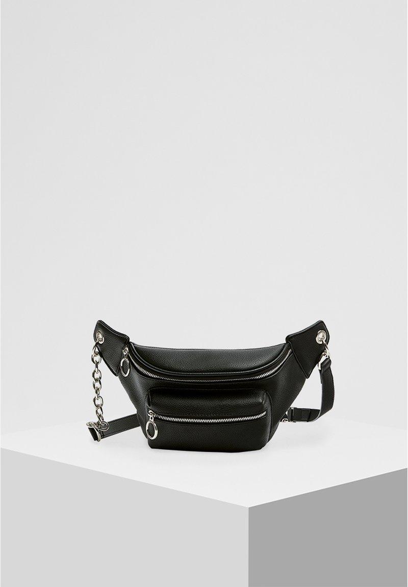 PULL&BEAR - SCHWARZE GÜRTELTASCHE MIT KETTE 14007540 - Bum bag - black