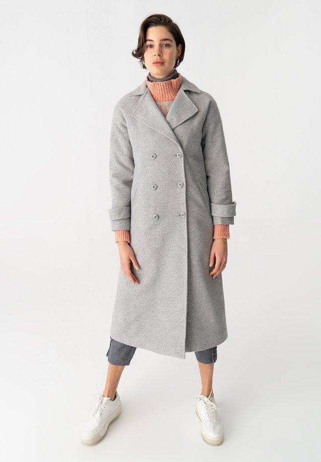 Mantel - gray