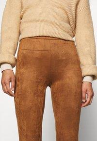 Culture - CUDELIA  - Leggings - Trousers - lion - 4