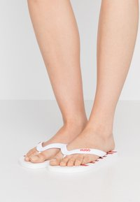 HUGO - ONFIRE - Pool shoes - white - 0
