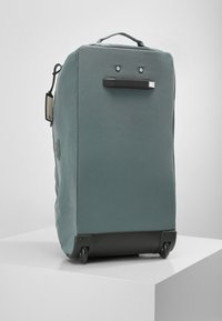 Kipling - DEVIN ON WHEELS - Wheeled suitcase - light aloe - 2
