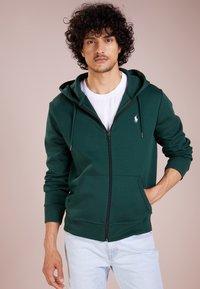 Polo Ralph Lauren - DOUBLE TECH - Huvtröja med dragkedja - college green - 0