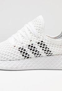 adidas Originals - DEERUPT RUNNER - Trainers - footwear white/core black/grey two - 5