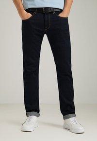 Baldessarini - Straight leg jeans - dark blue raw - 0