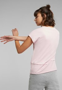 Esprit Sports - Print T-shirt - light pink