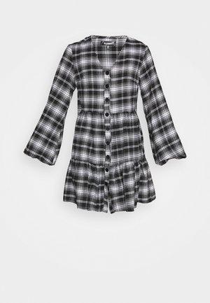 BUTTON PLUNGE SMOCK DRESS - Kjole - black