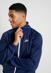 Nike Sportswear - SUIT - Tracksuit - midnight navy/white - 5