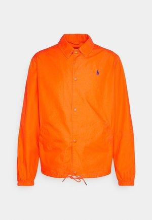 POPLIN COACH JACKET - Giacca leggera - spectrum orange