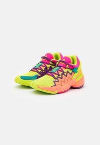 adidas Performance - D.O.N. ISSUE 2 UNISEX - Basketbalové boty - shock pink/semi solar slime/footwear white - 1