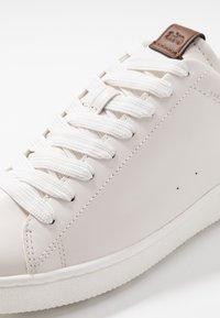 Coach - C101 - Baskets basses - white/navy - 5