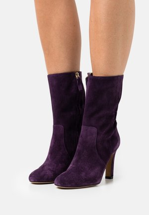 ALHAN - Classic ankle boots - violet