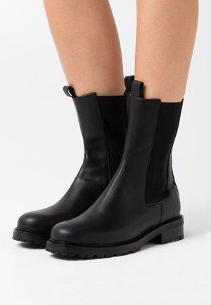 OPAL SUSTAINABLE - Kotníkové boty - doge black