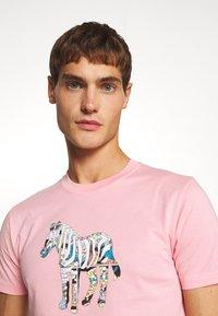 PS Paul Smith - SLIM FIT ZEBRA UNISEX - Print T-shirt - pink - 3