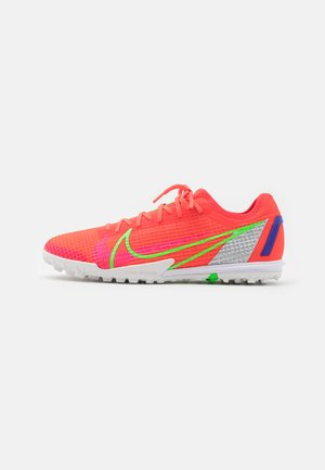MERCURIAL ZOOM VAPOR 14 PRO TF - Astro turf trainers - bright crimson/metallic silver