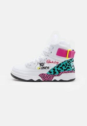 33 HI X YO! MTV RAPS - Höga sneakers - white