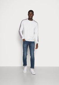 YOURTURN - Sweatshirt - white - 1