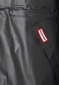 Hunter ORIGINAL - VINYL SMOCK - Parka - black - 2