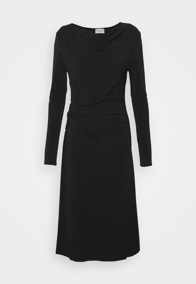 JUANNA - Pletené šaty - black