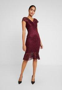 Sista Glam - CALAIS - Cocktail dress / Party dress - berry - 2