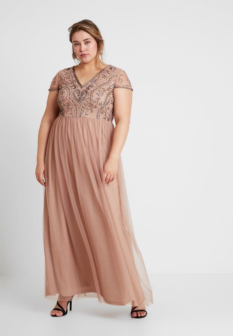 Lace & Beads Curvy - PAQUITA MAXI - Společenské šaty - taupe