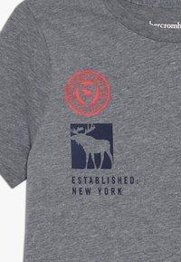 Abercrombie & Fitch - PRINT LOGO - Print T-shirt - grey - 3