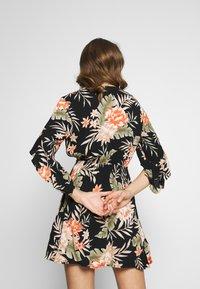 Billabong - LOVE LIGHT - Vestito estivo - black floral - 3
