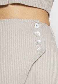 Fashion Union - Pouzdrová sukně - taupe - 4