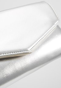 Dorothy Perkins - BAR  - Clutch - silver - 5