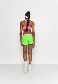 BIDI BADU - TIIDA TECH SHORTS - Sportovní kraťasy - neon green/pink - 2