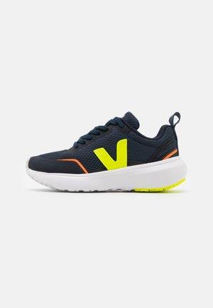 SMALL CANARY UNISEX - Sneakersy niskie - nautico jaune/fluo