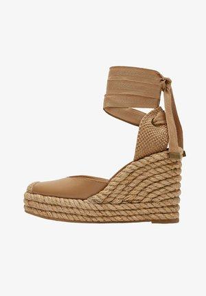 Sandalen met hoge hak - light brown