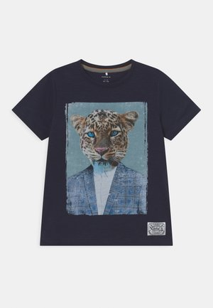 NKMKAJAB - Print T-shirt - dark sapphire