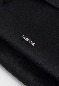 PARFOIS - CROSSBODY BAG CONFETTI - Taška spříčným popruhem - black - 3