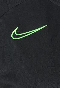 Nike Performance - ACADEMY SUIT - Treningsdress - black/green strike - 10