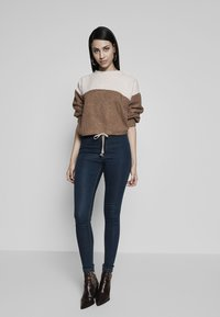 Missguided Tall - VICE HIGHWAISTED - Vaqueros pitillo - vintage blue - 1